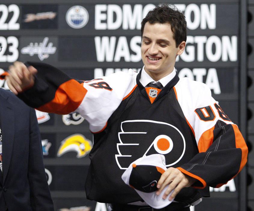 Als dritter Schweizer wird Luca Sbisa im Juni 2008 in der ersten Runde des NHL-Entry-Drafts gezogen. (Foto: ?)