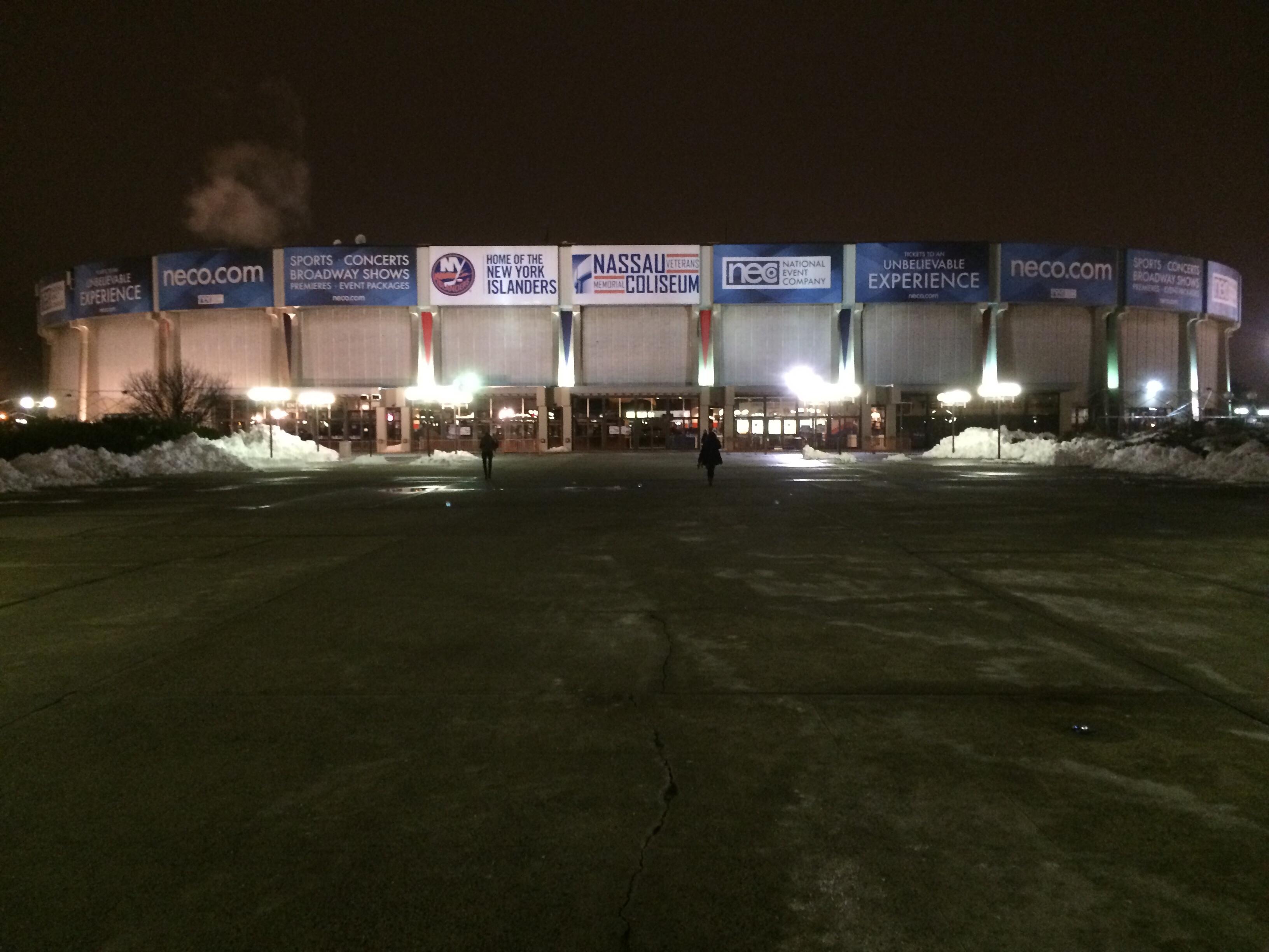 Das Nassau-Veterans-Memorial-Coliseum in seiner 42. Saison mit den Islanders. (Foto: Krein)